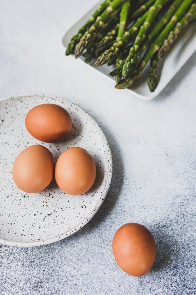 boiled eggs and asparagus