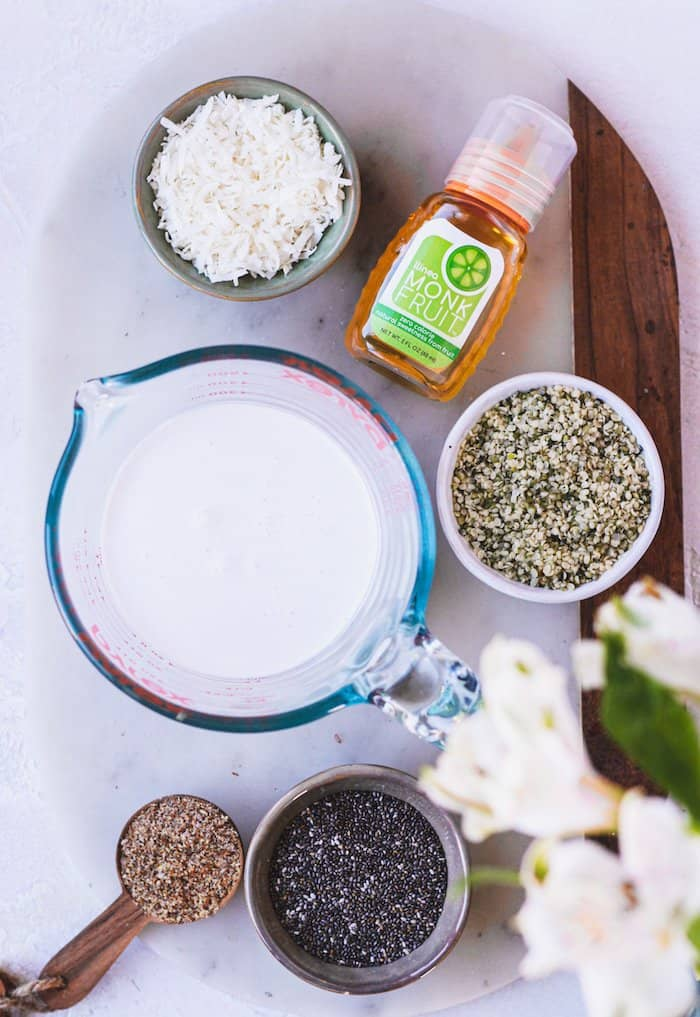 overhead of the ingredients needed to make keto oatmeal