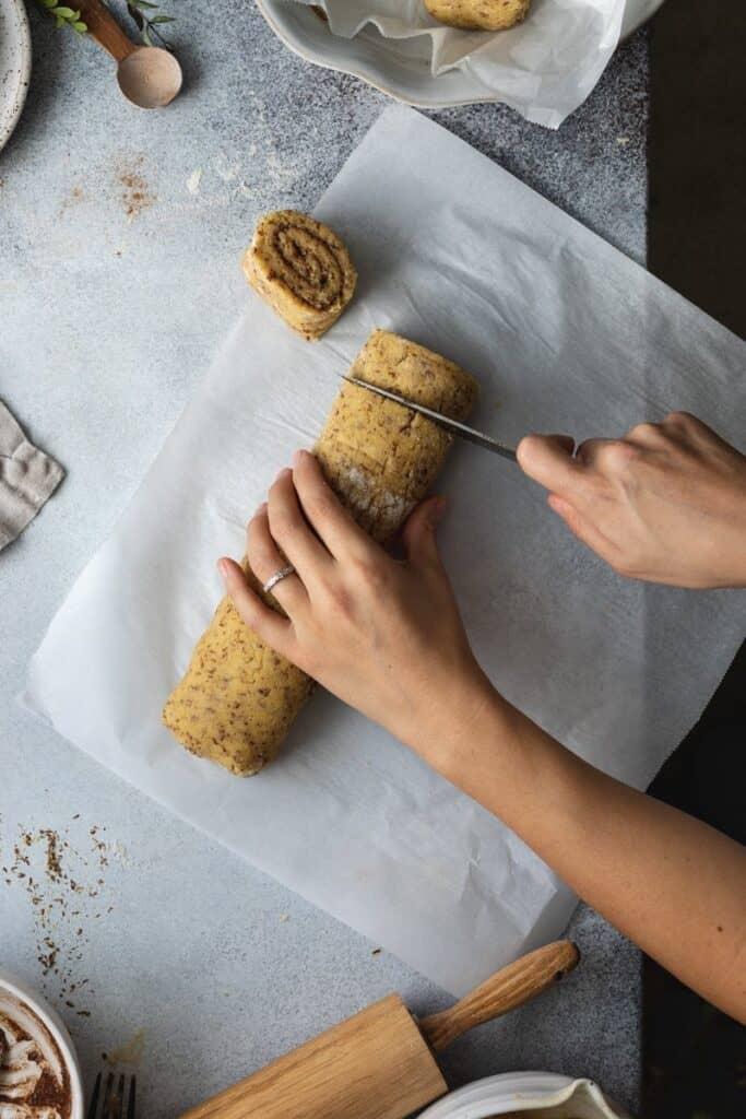 cutting keto cinnamon rolls